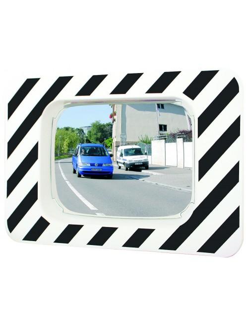 Miroir routier pour intersection avec voitures