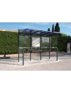 Station bus conviviale élégante et vitrée