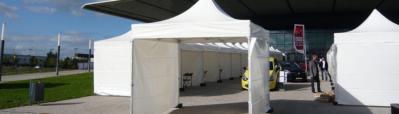 Tentes pliables devant Zenith