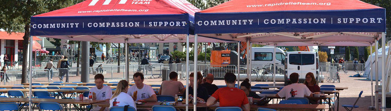 Tentes personnalisés RRT avec tables et chaises