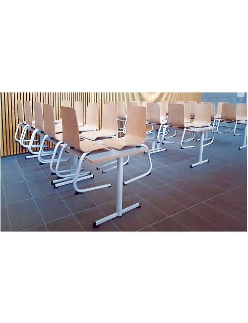Chaise coque bois avec appui sur table